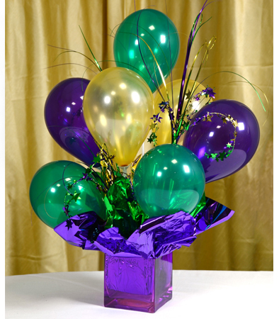 DIY Air Filled Balloon Centerpiece